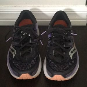Saucony women's GUIDE, Like new running shoes.
